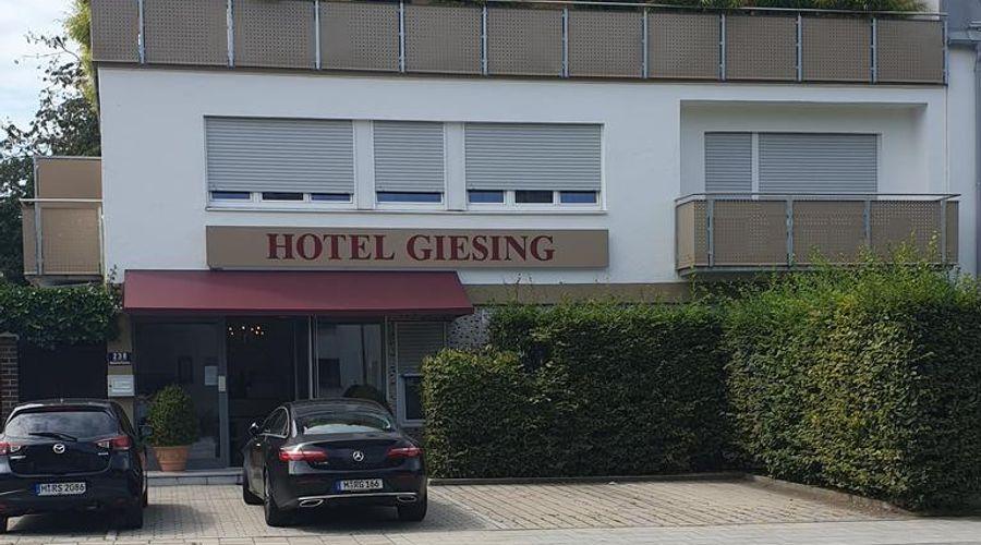 Hotel Giesing-3 من 20 الصور