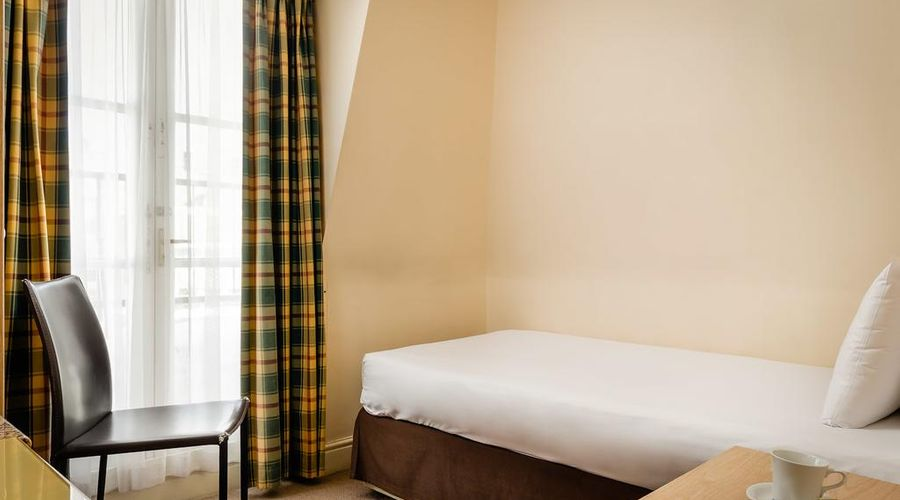 Hotel Henry VIII-4 of 26 photos
