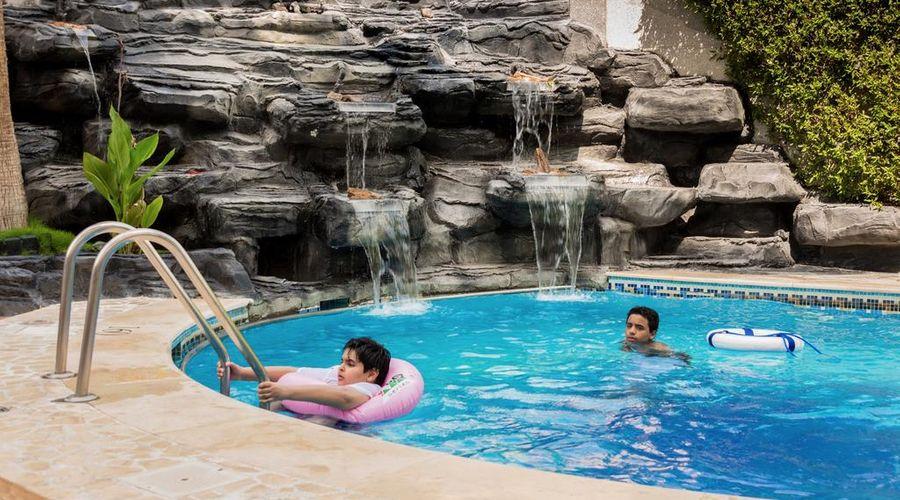 Boudl Al Shatea-3 of 30 photos