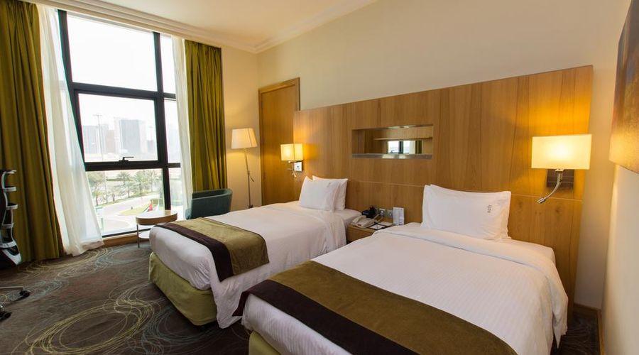 Holiday Inn Abu Dhabi-12 of 32 photos