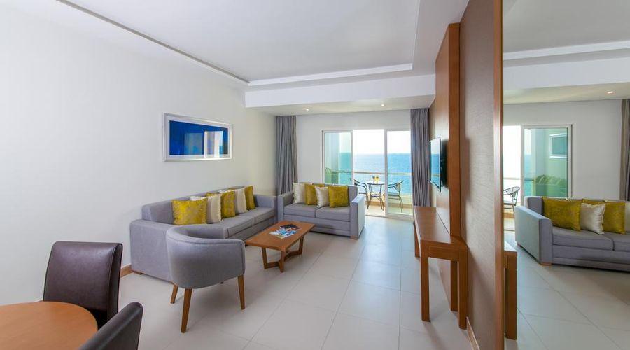 Ramada by Wyndham Beach Hotel Ajman-10 of 26 photos