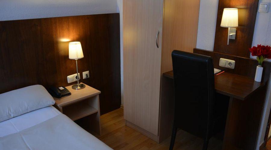 Hotel Italia-16 of 30 photos