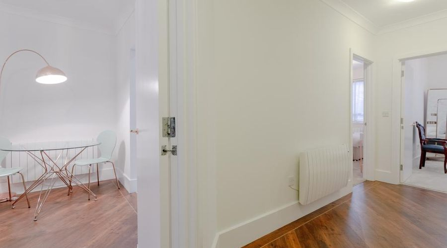 Refurbished Flat in Haggerston-3 of 10 photos