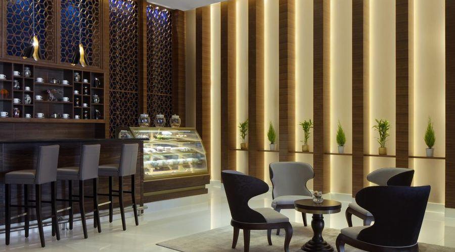 Radisson Blu Hotel, Dubai Waterfront-5 of 26 photos