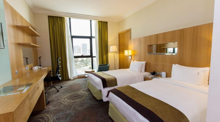 Holiday Inn Abu Dhabi-3 of 32 photos