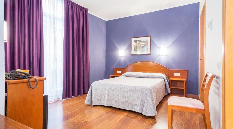 Hotel Cortes-3 من 30 الصور