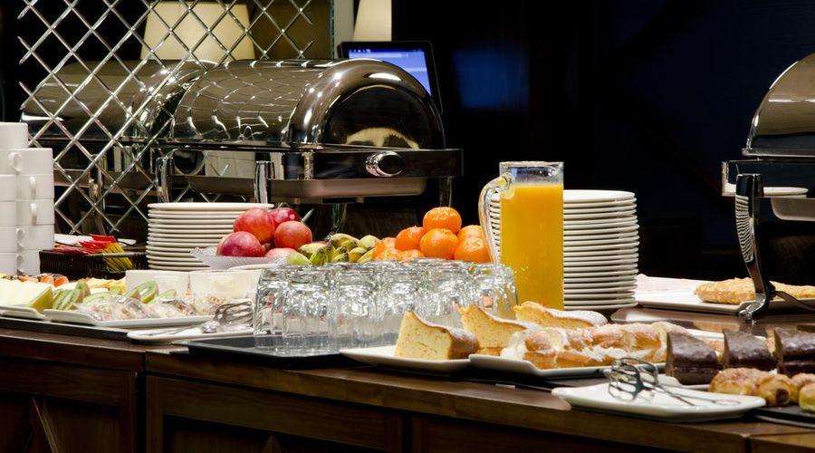 Hotel Claridge Madrid-16 of 27 photos