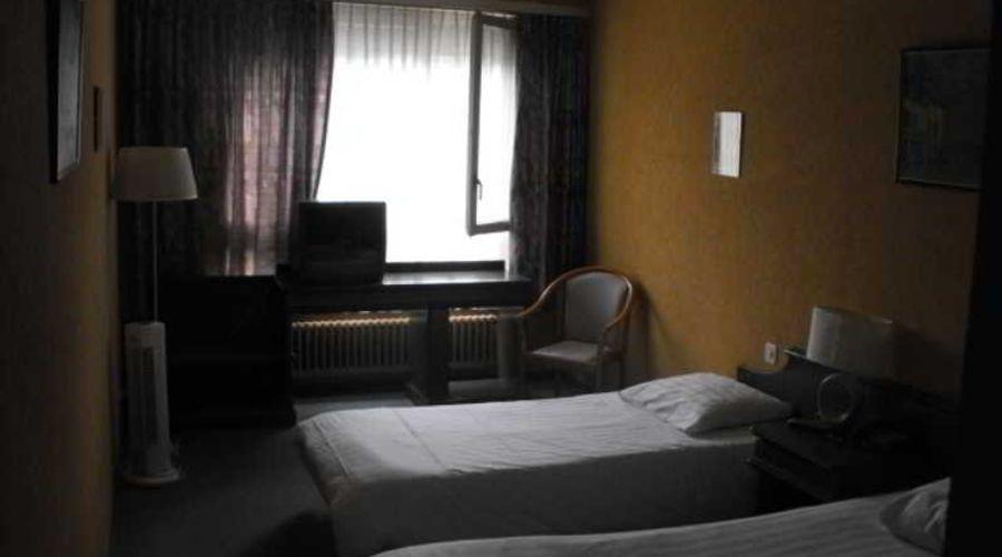 Hotel 33-4 of 10 photos
