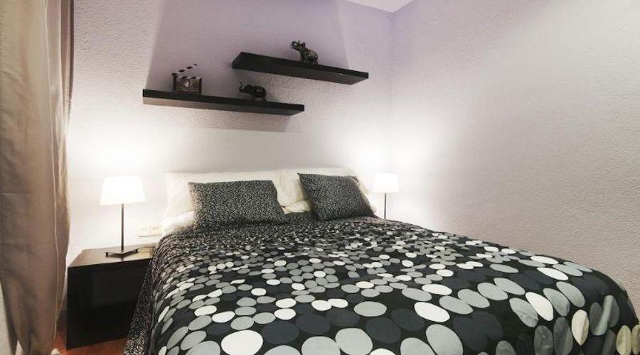 Barcelona 10 Apartments-4 من 17 الصور