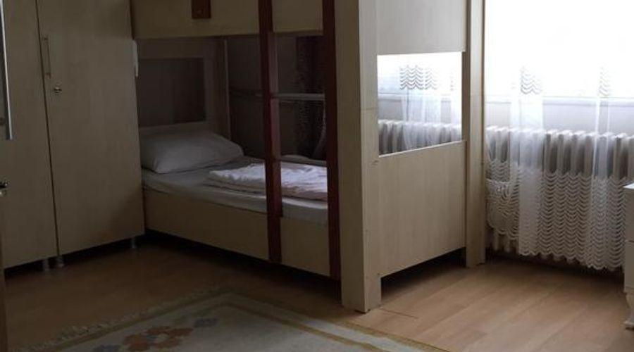 Castle Hostel-9 من 25 الصور