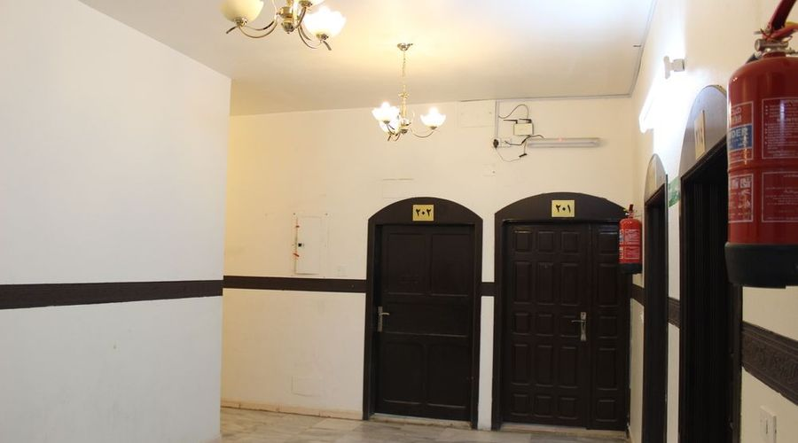 Al Eairy Furnished Apartments Al Bahah 4-21 of 27 photos