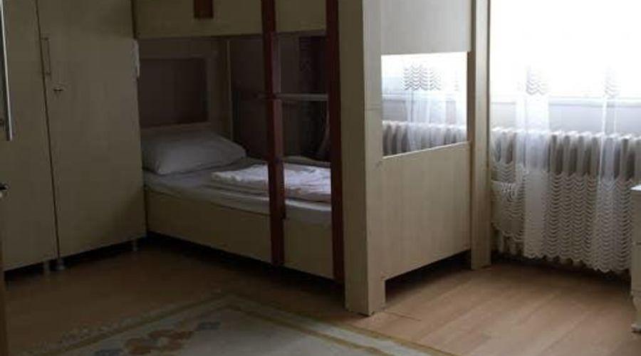 Castle Hostel-2 من 25 الصور