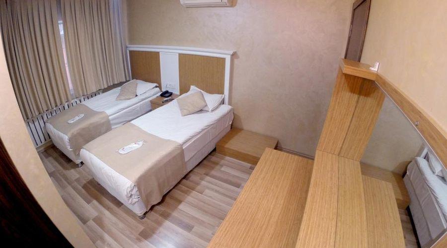 Lal Hotel-1 من 39 الصور