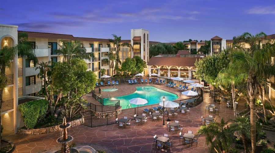Embassy Suites by Hilton Scottsdale Resort-31 of 49 photos