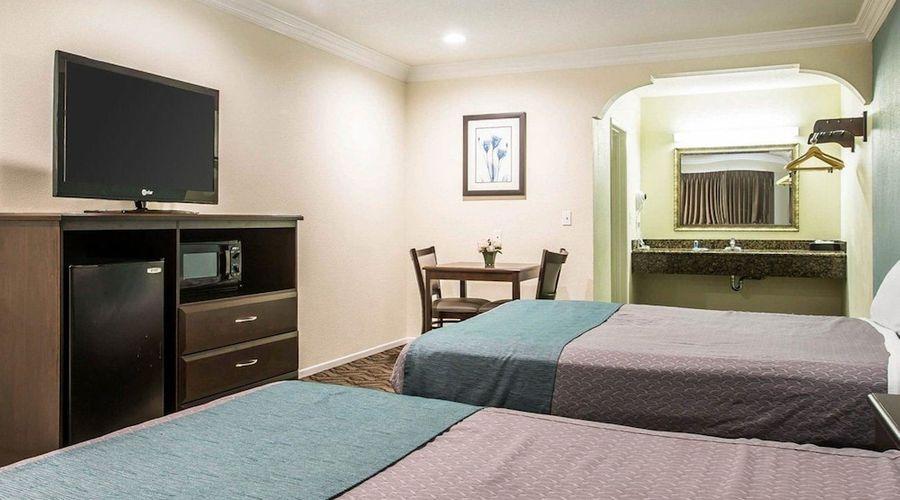 Rodeway Inn & Suites LAX-16 of 33 photos