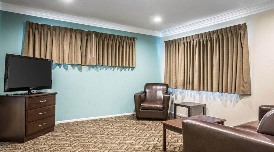 Rodeway Inn & Suites LAX-18 of 33 photos