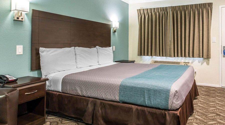 Rodeway Inn & Suites LAX-12 of 33 photos