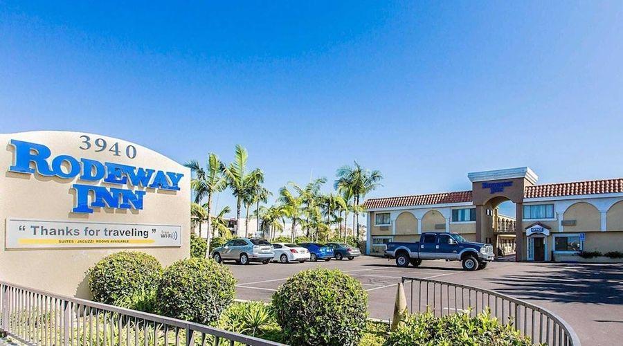 Rodeway Inn & Suites LAX-31 of 33 photos