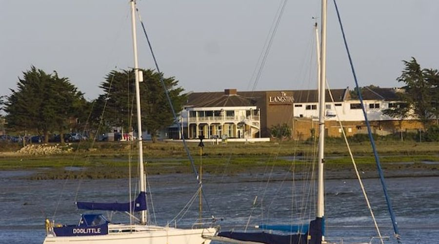 The Langstone Quays-19 of 50 photos
