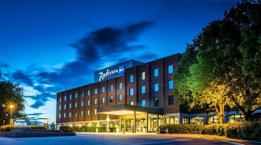 Radisson Blu Arlandia Hotel-1 of 58 photos