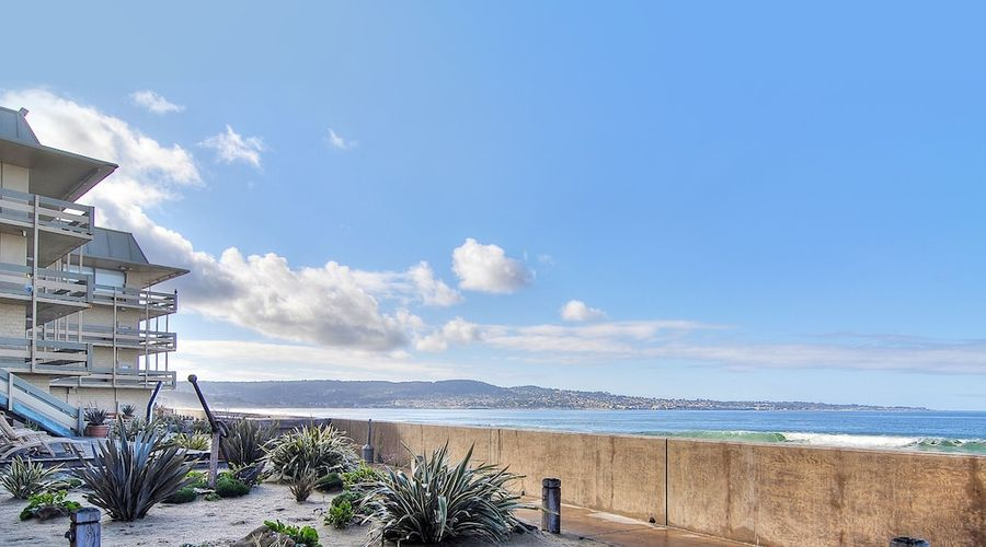 Monterey Tides-14 of 21 photos