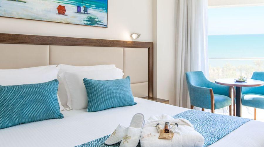 Golden Tulip Golden Bay Beach Hotel-8 of 72 photos