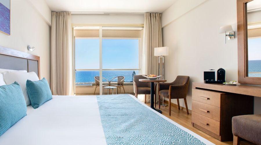 Golden Tulip Golden Bay Beach Hotel-10 of 72 photos