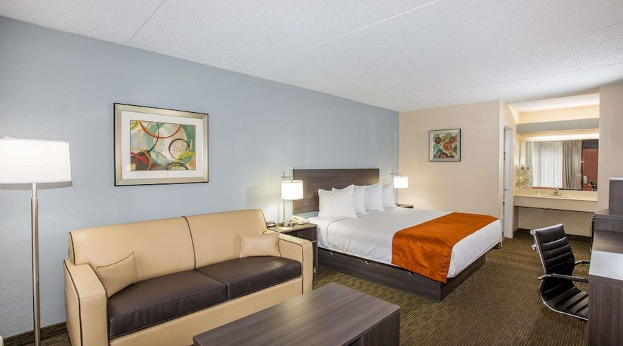 Days Inn & Suites by Wyndham Orlando Airport-12 of 25 photos