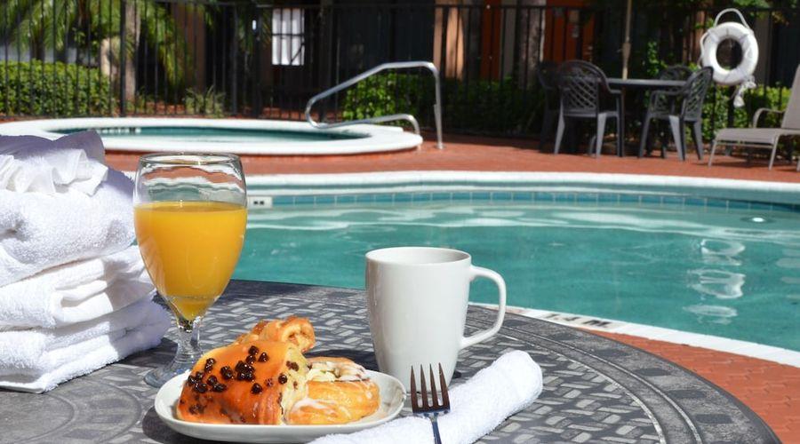 Days Inn & Suites by Wyndham Orlando Airport-24 of 25 photos