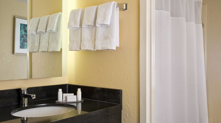 Fairfield Inn & Suites Lake Buena Vista in Marriott Village-5 of 40 photos