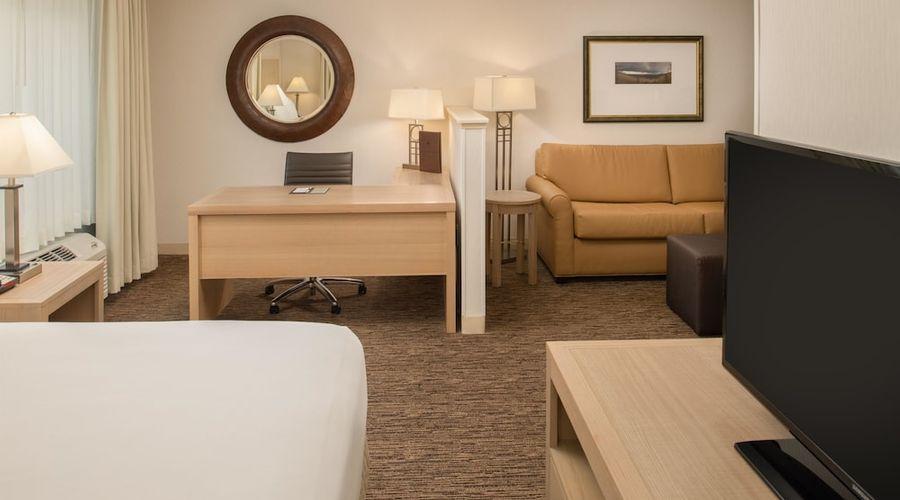 DoubleTree by Hilton Hotel Portland - Tigard-1 of 5 photos