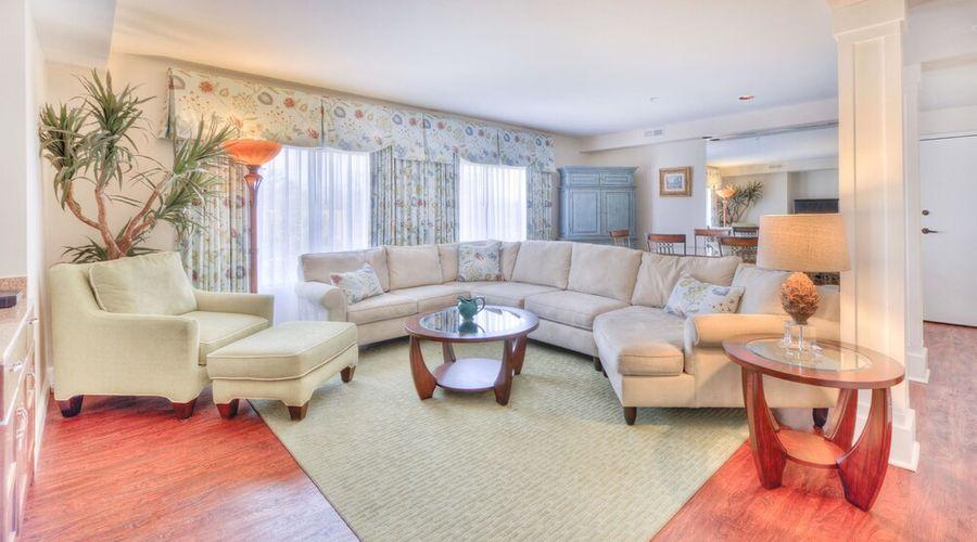 Hampton Inn & Suites Wilmington/Wrightsville Beach-17 of 75 photos