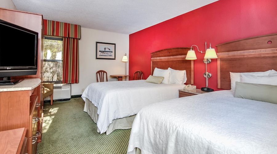 Hampton Inn & Suites Wilmington/Wrightsville Beach-32 of 75 photos