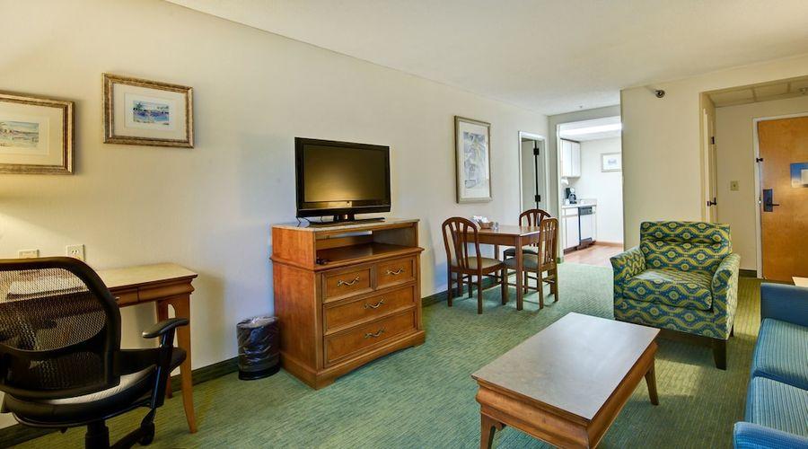 Hampton Inn & Suites Wilmington/Wrightsville Beach-30 of 75 photos