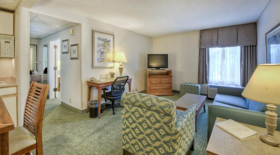 Hampton Inn & Suites Wilmington/Wrightsville Beach-12 of 75 photos