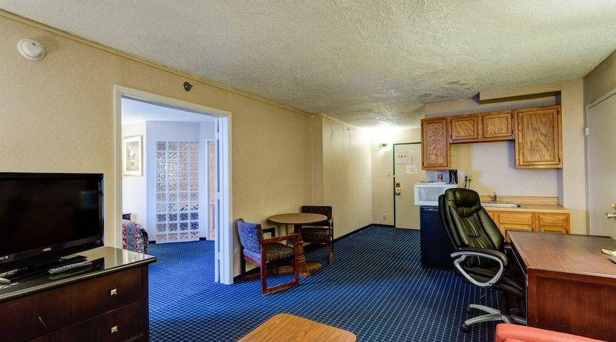 University Hotel & Suites-20 of 36 photos