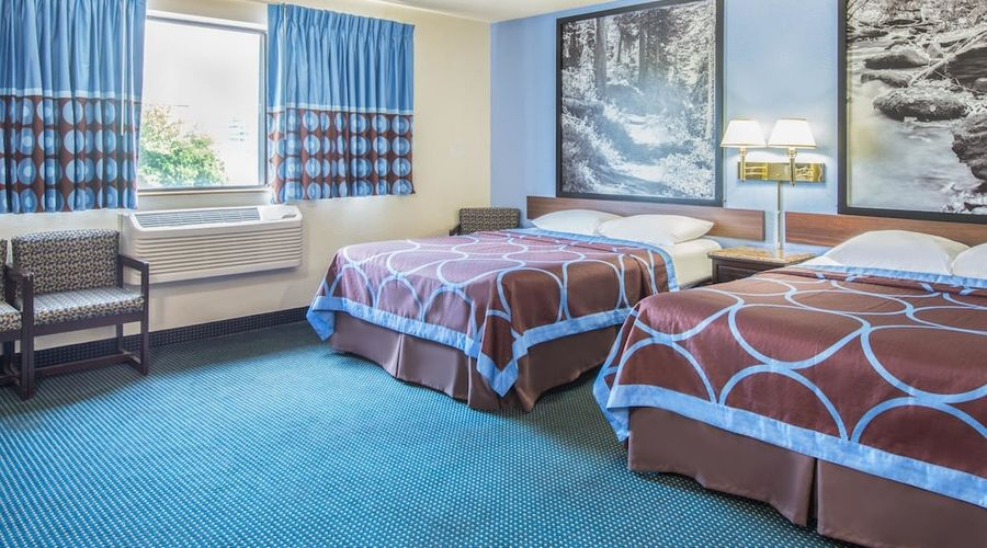 Super 8 by Wyndham New Castle-11 of 26 photos