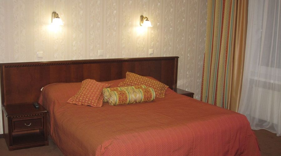 Hotel Dnipro-14 of 101 photos