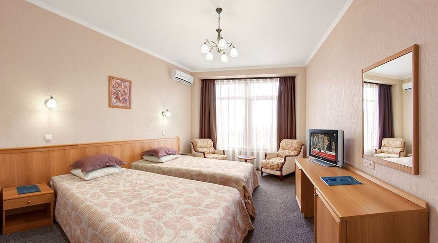 Hotel Dnipro-18 of 101 photos