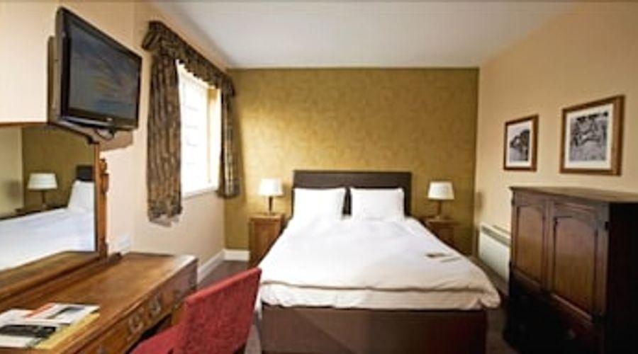 Bear Hotel Havant-6 of 24 photos