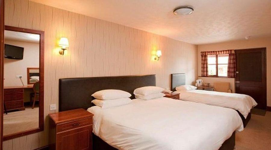 Bear Hotel Havant-9 of 24 photos