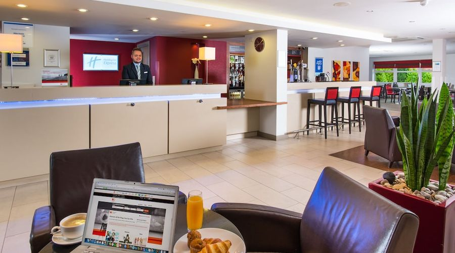 Holiday Inn Express East Midlands Airport-2 of 33 photos