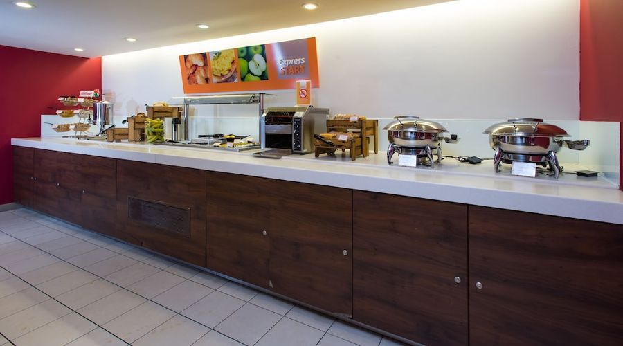 Holiday Inn Express East Midlands Airport-22 of 33 photos