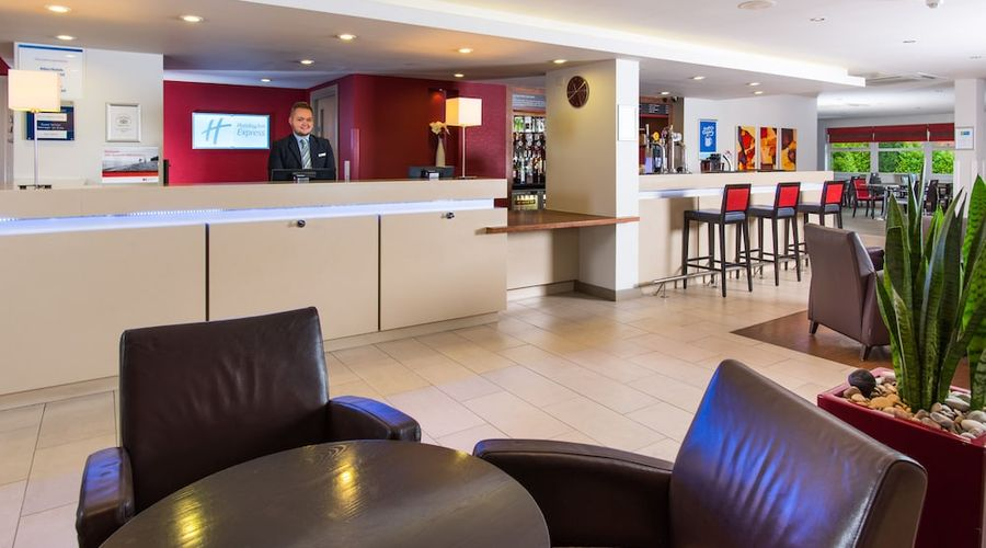Holiday Inn Express East Midlands Airport-3 of 33 photos