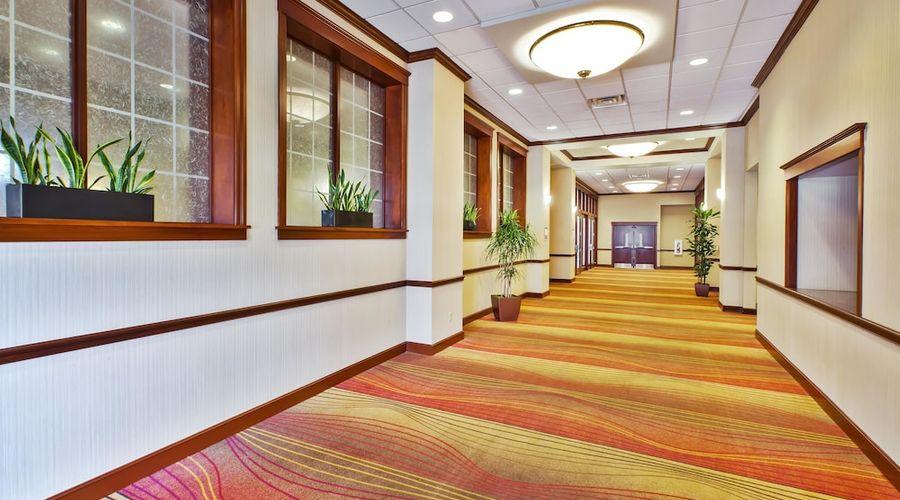 Hilton Garden Inn Cleveland Downtown-30 of 44 photos