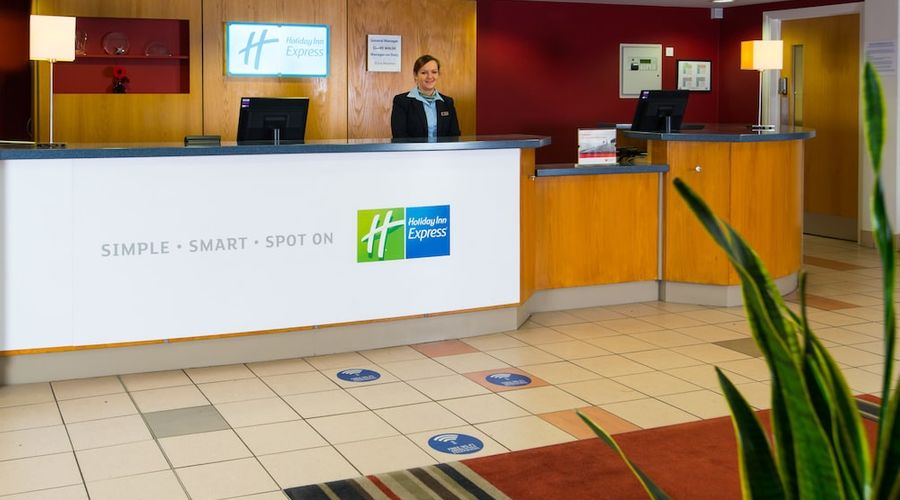 Holiday Inn Express Droitwich Spa-8 of 48 photos