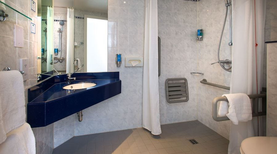 Holiday Inn Express Droitwich Spa-24 of 48 photos