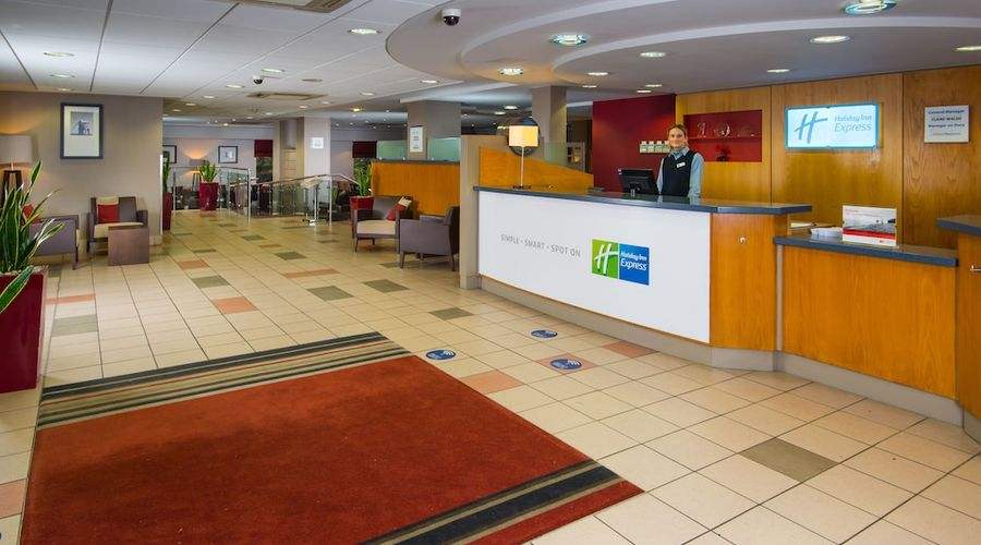 Holiday Inn Express Droitwich Spa-3 of 48 photos