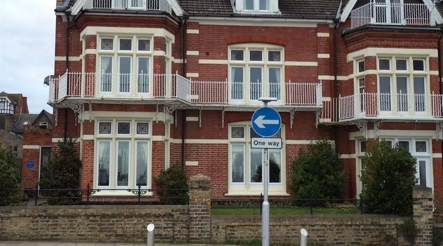 Britten House-1 of 47 photos