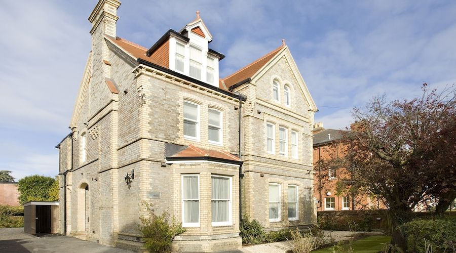 SACO Reading - Castle Crescent-1 of 11 photos